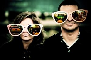 couple-wearing-big-glasses
